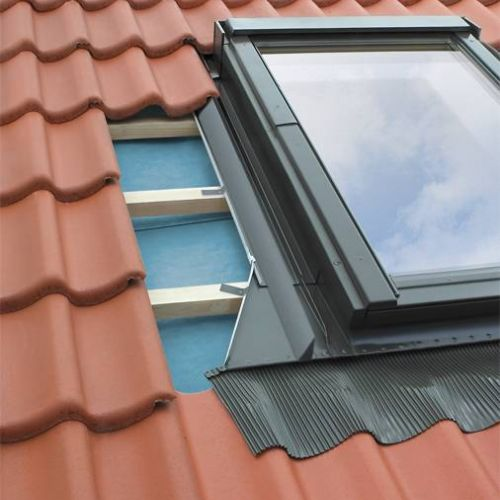 FAKRO EHV 10 Pieslēgums dziļi profilētiem jumtiem (uz pasūtījumu)